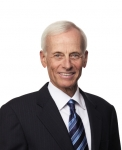 화이자 이사회, 비상임 이사회 회장으로 조지 로치 선출