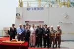STX조선해양이 18일 중국 STX다롄 생산기지에서 첫 드릴십의 인도식을 개최했다. 사진은 인도식에 참석한 한스 듈 노블 드릴링社 부사장(사진 앞줄 왼쪽에서 두번째), 장원갑 ST