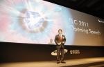 오늘 서울 신라호텔에서 개최된 TLC2011에서 삼성SDS 고순동 사장은'Convergence 빅뱅, Smart로 열다'라는 제목의 오프닝 연설하는 모습
