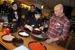 코리안 컬리너리 랩에 참가한 미슐랭 셰프들이 한국의 전통음식문화에 대한 설명을 듣고 있다