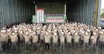 STX엔진이 지난 19일 경남 창원의 공장에서 임직원들이 참석한 가운데 디젤엔진 플랜트용 발전기 900MW 출하 완료 기념 행사를 열고 있다.