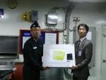 사과나무 백진성 대표가 최근 해군 유일의 구조함인 '청해진함' 장병들을 격려하기 위해 미니PC 카페를 구축, 기증하고 있다.