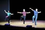 칼 쉐퍼, 에릭 스턴, 사키 세명의 강사가 수학과 댄스를 진행하고 있다.