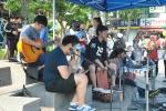 학산종합사회복지관은 풍남문 광장에서 평화마을장터를 개최한다.