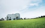 서귀포KAL호텔이 7월 17일부터 8월 23일까지 가든프라자에서 야외 즉석 숯불 바비큐 뷔페를 선보인다.