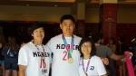 금메달 수상한 후 왼쪽부터 전대진 코치, 민현식 선수, 민현식 선수 어머니