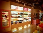 Skin Garden, a K-cosmetics shop located in Shinjuku, is on sale. It offers discount for its PB brand