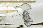 일본 류큐에어커뮤터가 봄바디어 커머셜 에어크래프트에 발주한 Q400 화물-콤비 항공기 가운데 2대를 공개했다
