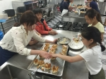놀토버스 체험프로그램 오물조물요리만들기 체험 모습이다