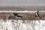 에스토니아군 병사와 작전중인 무장 무인 지상차량 THeMIS ADDER