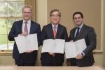 현대상선과 2M이 전략적 협력을 위한 얼라이언스 본계약 서명식을 16일 개최했다