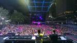 울트라 코리아의 본 고장 울트라 뮤직 페스티벌 미국 마이애미가 성황리에 막을 내렸다. 사진은 니키 로메로의 무대에 깜짝 초대된 DJ 레이든과 니키 로메로(UC Management