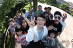2017 둥근세상만들기 장애청소년캠프 참가 청소년들이 페이스페인팅 후 기념촬영을 하고 있다