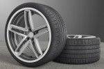 미쉐린 어코러스 기술이 적용된 맥시언 플렉서블 휠은 큰 직경과 낮은 프로파일 타이어가 가장 거친 도로 조건에도 견뎌낼 수 있도록 설계되고 제작된다