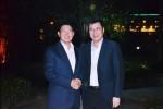 趙顯俊会長(左)と陳新書記