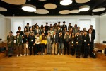 18일 판교 원스토어 본사에서 개최한 제1회 원스토어 북스 웹소설 공모전 시상식에서 원스토어 이재환 대표(앞줄 가운데)와 수상자들이 기념촬영을 하고 있다