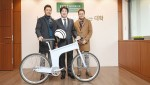수입 자전거 도매업체인 이노이즈인터랙티브가 4200만원 상당의 자전거와 헬멧 9개를 건국대에 기부했다