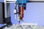 노드슨 EFD의 xQR41V 니들 밸브 신제품은 정확하고 반복적으로 UV경화 접착제를 의료기기 부품에 분사할 수 있다