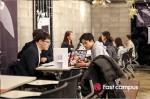 기초교육, 미니프로젝트, 모의면접 등에 참여하는 회사원 또는 커리어 전환 희망 성인들