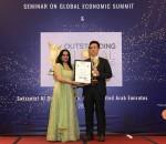 IES 선정 Outstanding Global Leadership Award 2018을 수상하는 로커스체인 파운데이션의 이상윤 대표이사