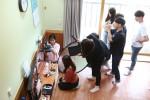 국립평창청소년수련원 영상진로캠프 참가자들이 조별로 시나리오를 작성하여 영상촬영을 하고 있다
