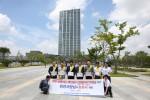 배전입찰제도 개선 청원서 제출에 앞서 한국전기공사협회 임직원들이 한전 본사 앞에서 입찰비리 척결 퍼포먼스를 벌이고 있다