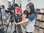송파청소년수련관이 운영하는 청소년 진로체험버스투어 'BUS 타! GO!' 체험중인 어린이들