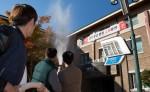 합동소방훈련에 참여한 국립중앙청소년수련원 직원들이 화재진압을 하고 있다