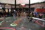필드테크의 ICT 융합형 스포츠 콤플렉스 시설에서 축구경기가 진행되고 있다