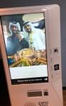 두바이 엑스포 2020 방문자센터에 설치된 아이오로라의 AR 키오스크