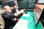 KT 네트워크부문장 오성목 사장과 삼성전자 네트워크사업부장 전경훈 부사장이 서울 강남 일대와 경부고속도로를 차량으로 이동하며 5G 네트워크 품질을 점검하고 있다