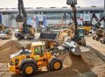 볼보건설기계그룹이 건설기계·장비 전시회인 바우마 2019에서 혁신기술을 탑재한 총 50종에 달하는 온오프로드 건설장비를 대거 선보였다