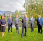 사진 좌에서 우로: 앤 오드리스콜, 마틴 파히, 마이클 켈리, 피터 르 보, 길레스 비스케이, 톰 월