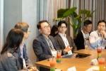 중앙 왼쪽부터 신한금융그룹 조용병 회장과 콴텍 이상근 대표
