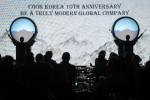 한국 전통 북 공연을 시작으로, 쿡 코리아는 지난 10년간의 성과를 축하했다