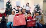 정샘물 메이크업 아티스트와 정샘물뷰티 임직원들이 한부모가정과 아동을 위한 크리스마스 파티를 열고 대한사회복지회에 크리스마스 선물 후원금 5000만원을 전달했다
