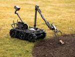 미 공군은 플리어 센토 로봇을 사용하여 급조폭발물, 불발탄을 해제하고 유사한 위험 작업을 수행하도록 돕는다. 160파운드의 무게에 여러 개의 센서와 페이로드를 추가할 수 있다. 센