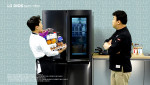 LG전자가 방송인 백종원과 함께 LG 디오스 얼음정수기냉장고의 편리한 신기능을 소개하는 새로운 형식의 광고를 선보였다