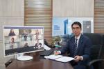 대한전선과 내셔널그리드의 주요 임원이 참석한 가운데 LPT2 프로젝트 계약을 온라인 화상 서명식으로 체결하고 기념촬영을 하고 있다