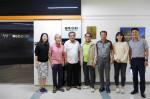 올 7월 웹케시그룹 본사를 방문한 하청마을 농민들과 웹케시그룹 임직원이 기념 촬영을 하고 있다