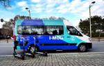 사진은 현대차 컨소시엄과 인천시가 공동으로 선보인 수요응답형 버스 I-MOD와 전동 킥보드 I-ZET
