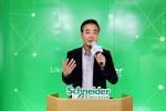 슈나이더 일렉트릭 김경록 대표가 이노베이션 서밋 코리아 2020 미디어 콘퍼런스에서 발표를 진행하고 있다