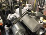 이튼의 자동차그룹은 이 오일 주입 노즐을 생산하기 위해 3D 금속 인쇄 기능을 사용하여 비용과 개발 시간을 줄였다