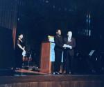 2001년 10월 16일 KARP대한은퇴자협회 주명룡 대표가 뉴욕 링컨센터 Alice Tully Hall 개최된 KARP Gala에서 UN FAO(UN식량농업기구)사무총장에게 성금