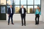 왼쪽부터 노르딕의 CTO, CEO 및 HR 디렉터는 노르딕 최초의 와이파이 팀원들을 진심으로 환영한다고 밝혔다