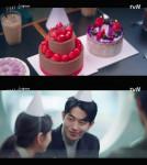 투썸플레이스가 남주혁 주연 tvN드라마 '스타트업' 제작지원을 성황리에 마쳤다
