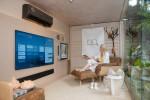 LG전자가 브라질 상파울루에서 열리고 있는 중남미 최대 라이프스타일 전시회 카사코르(Casa Cor)에 참가해 LG 올레드 갤러리 TV의 라이프스타일 선도 디자인을 강조했다
