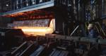 SCR설비가 도입된 동국제강 신평공장 가열로에서 빌릿(billet)이 압연라인에 투입되고 있다