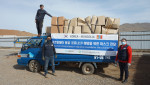 글로벌쉐어가 코로나19 예방을 위해 전달한 마스크가 몽골 현지에서 운반되고 있다