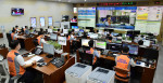 한국전력 직원들이 한전 본사 재난종합상황실에서 전력수급 비상훈련을 시행하고 있다